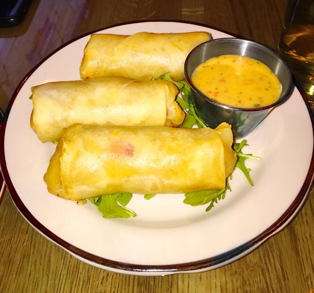 Pimento Mac & Cheese Spring Rolls